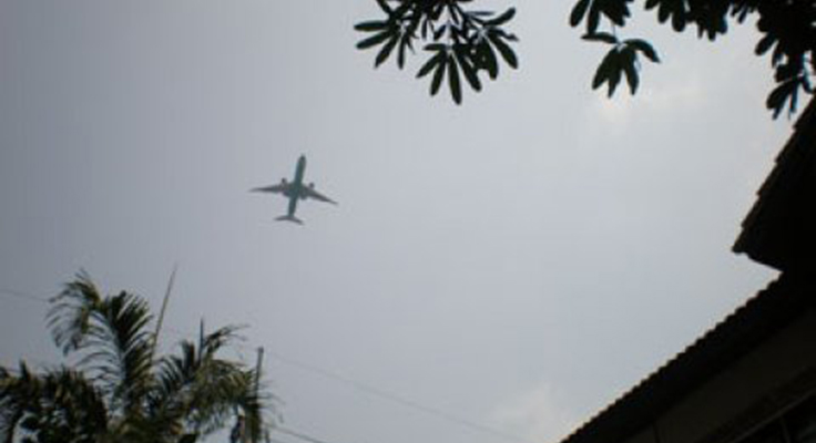 Airport residents demand noise payout