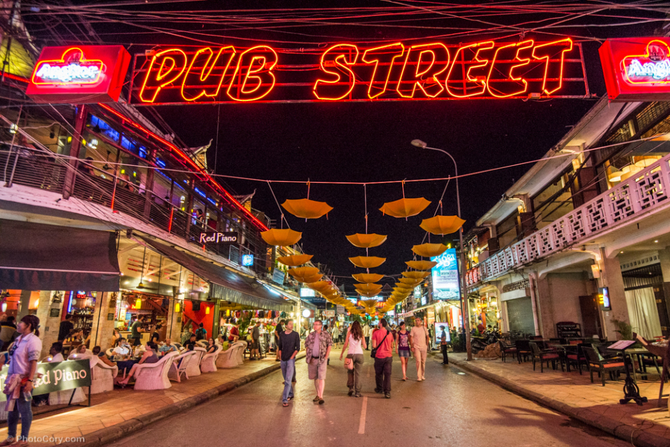 Cambodia, Siem Riep, Calls for 'shhh' in noisy Pub Street